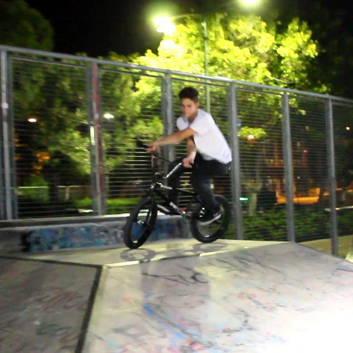 @stas_sym jibbing at skatepark #cyprusbmx #4pegs #bmxlife #limassol