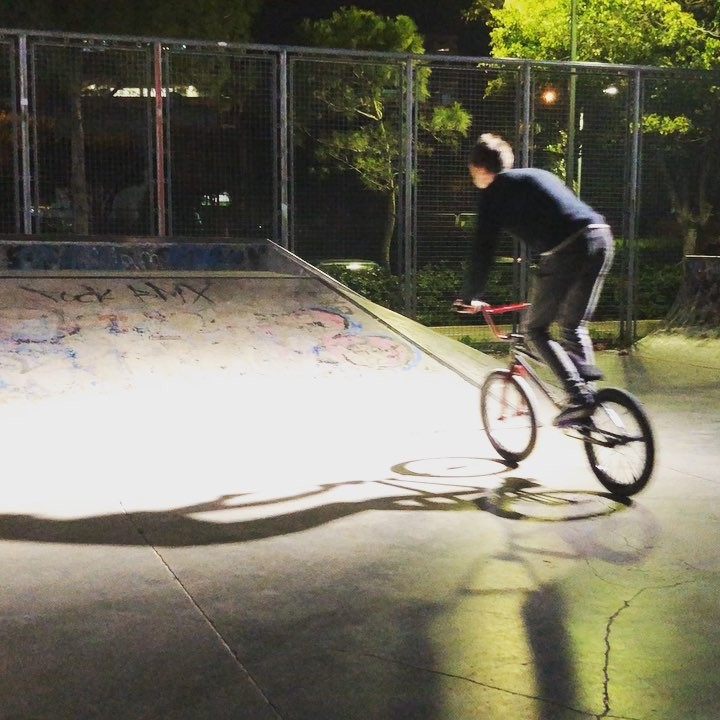 Quick combo in a skatepark by @sparrow266 check it out ;) #bmx #cyprusbmx #bmxlife…
