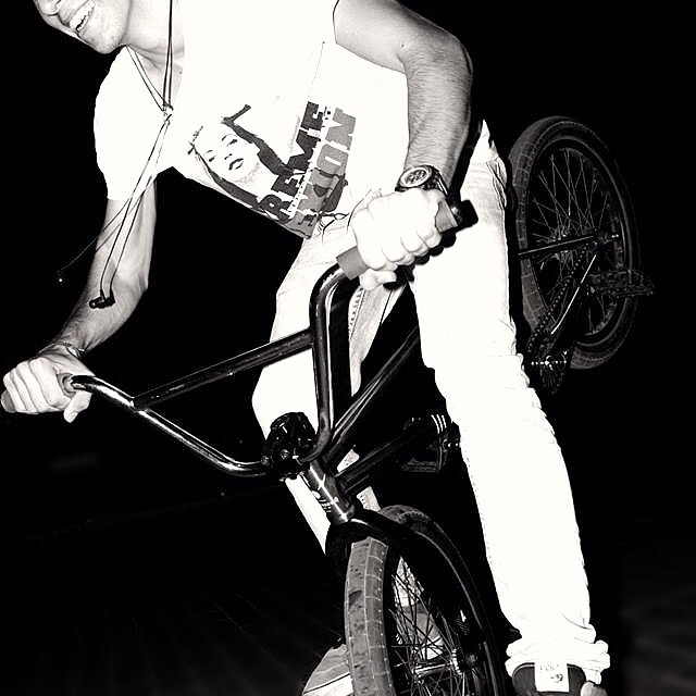 @michaelblue2 #hang5 #bmx #cyprus #locals #ride #yolo #fitbikeco