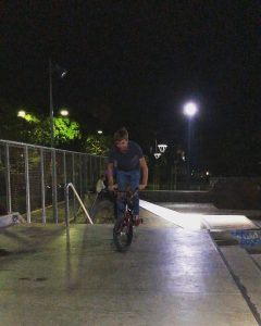 Vlad Sparrow regular and opo bar – – #bmx #cyprusbmx #barspine #quickshot #molosskatepark #bmxlife…