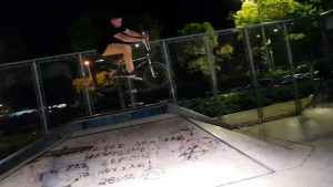 @stavrosbars flying at the local park