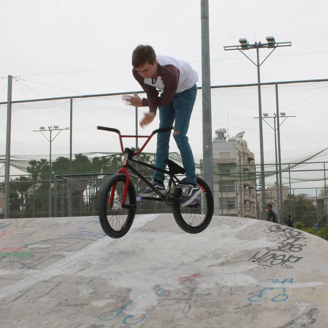 Switch barspin by @sparrow266 #bmx #limassol #cyprusbmx
