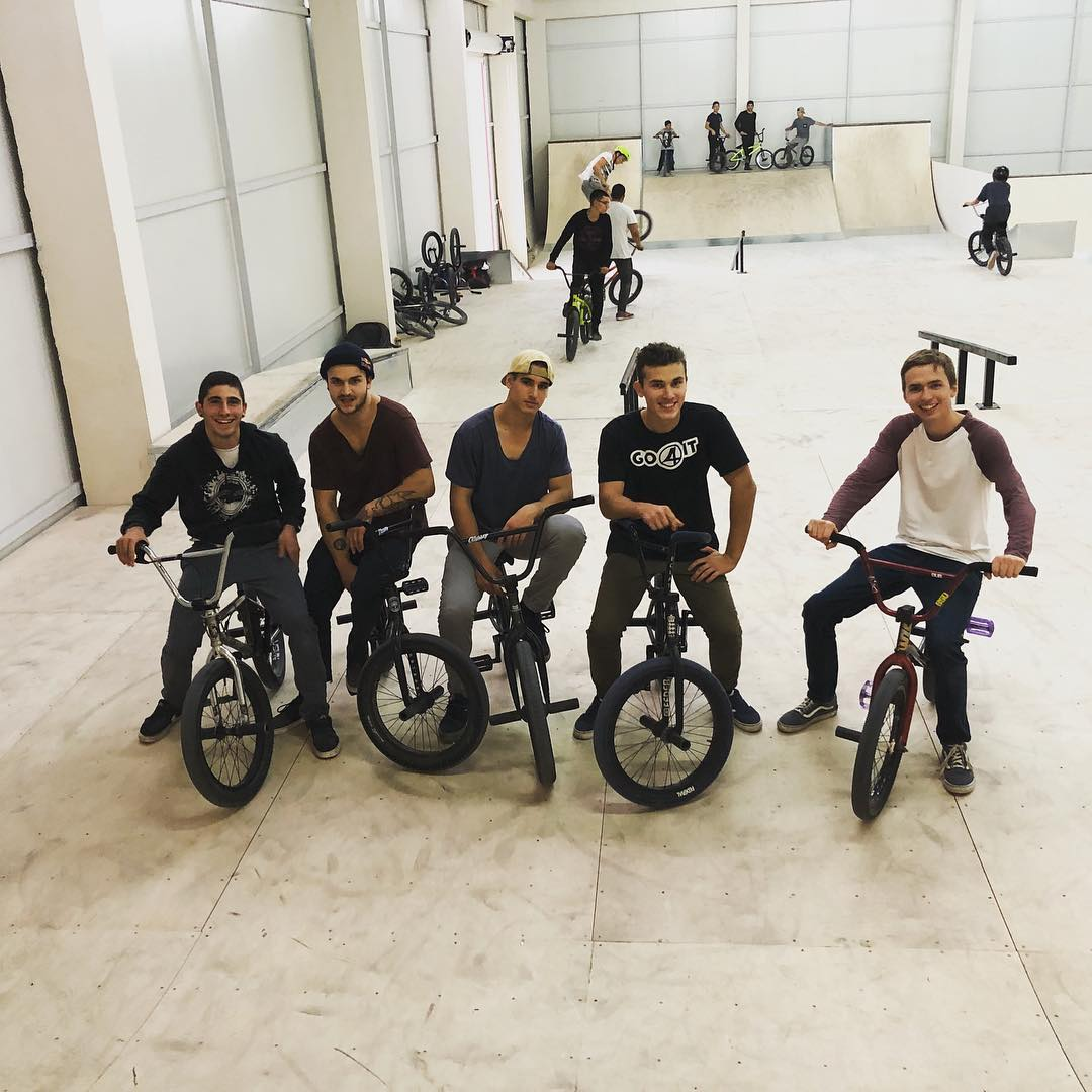 Good session, with @fiberabmx #followup It was a long nice day full of filming,…
