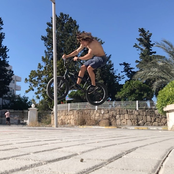 Звук хороший))) #bmx #ridebmx #cyprusBMX #cyprus #motioncrew420 X #madridecrew