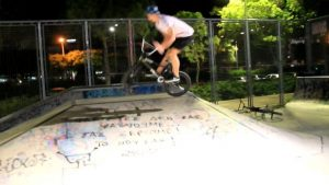 Quick one by @stas_sym #bmx #teamisland #cyprusbmx #barspin