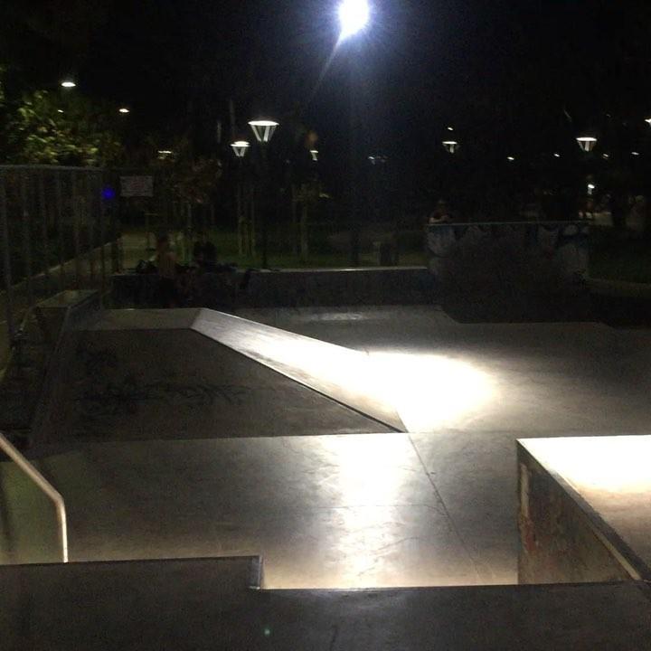 Night chills @_b_vadim_c_. @teamislandbmx @go4itcyprus @satan_shop_bmx #cyprusbmx #odessabmx #chill #street #persik #teamislandbmx #backonthebike