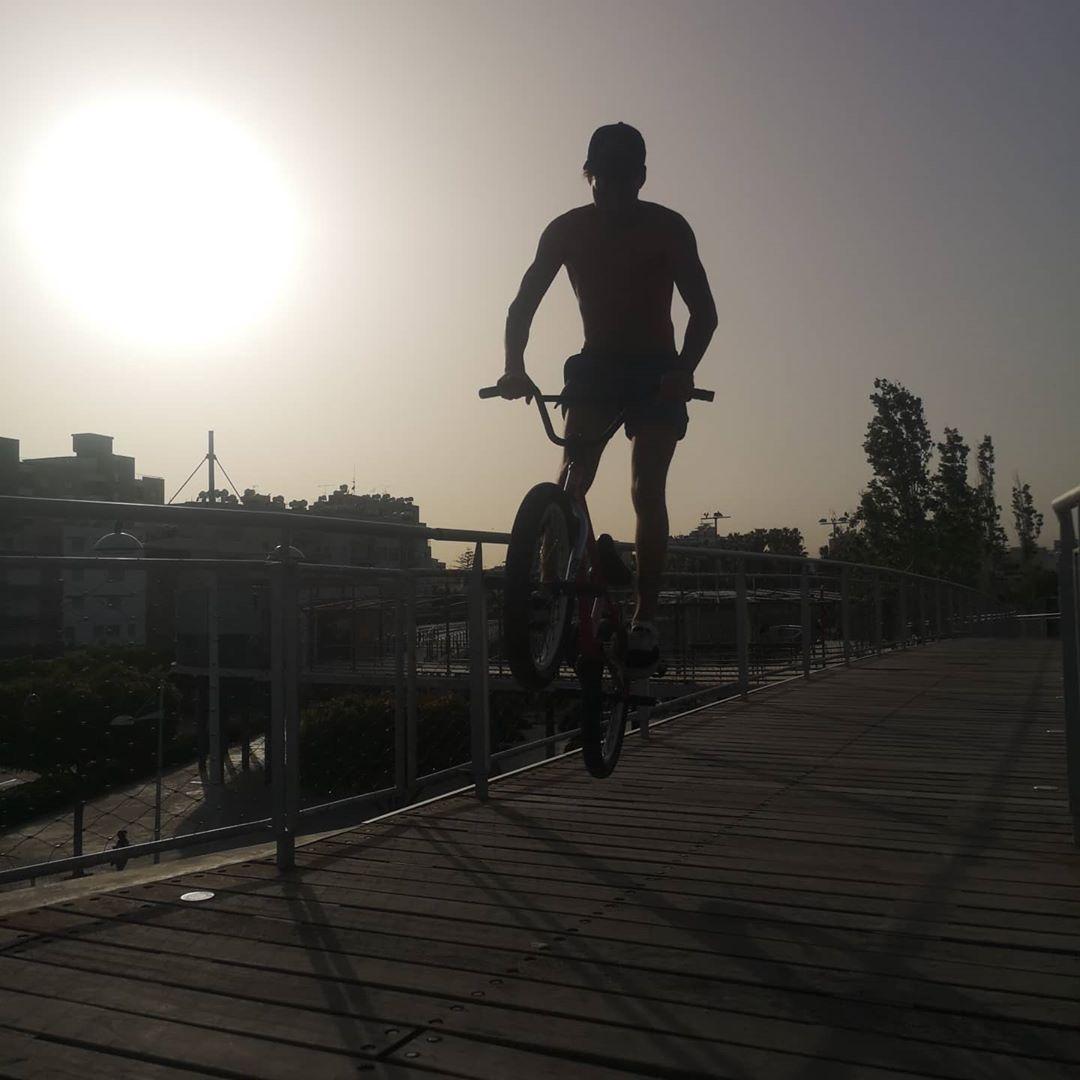 #sunshine #bmxallday #bmxlifestyle #bmxtraining #bmxbikes #bmxbikes #bmxlife #bmxporn #bmx #bmx4life #bmxlove #bmxstreet #bmx #bmxstyle…